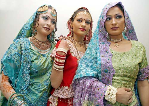 Pakistan Bridal Show height=356