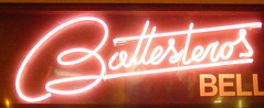 ballesteros (la estetica industrial) Tags: corazÓn de neÓn corazón neón