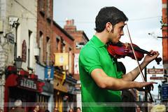 Fiddler, Dublin, Ireland (Seven Seconds Before Sunrise) Tags: street travel ireland people musician dublin green art europe eire fiddle