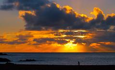 Waimea Bay Sunset (disneymike) Tags: travel sunset vacation beach catchycolors landscape hawaii bay nikon oahu 100v10f northshore waimea d100 nikkor waimeabay waimeabeach nikonstunninggallery