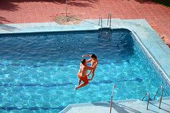 Dancing (Victoriano) Tags: summer hot water pool girl speed swimming jump spain child pair diving parent together granada society jumped society1 flogr