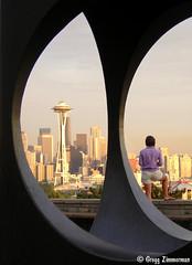 Seattle, Washington (Gregg Zimmerman) Tags: seattle city statue skyline washington nikon space needle wa spaceneedle wastate washingtonstate kingcounty e2100 dscn1947 kingcountywa kingcountywashington