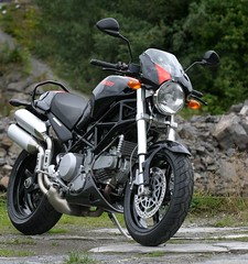 DUCATI MONSTER (Rune Johansen) Tags: norway ducati monster s2r bergen 2005 mc streetfighter motor bike super engine tecnology ducatimonsters2r coolbike