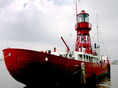 Light boat, lichtschip. (Harry -[ The Travel ]- Marmot) Tags: light red holland amsterdam boat crane nederland vessel rood ndsm schip lightboat lichtschip