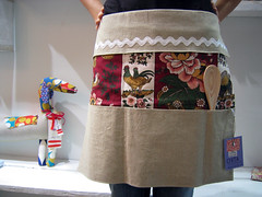 avental = apron - by Rosa Pomar