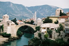 Remember this bridge? Mostar, Bosnia (Kashklick) Tags: bridge mountains war mostar bosnia minarets rebuilt muslimculturesblogspotcom kashfihalford wwwkashfihalfordcom