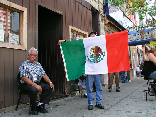mexicans celebrating mexican independence day
