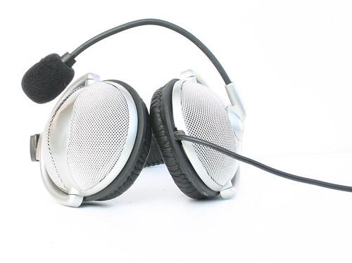 Headphones by timtak.