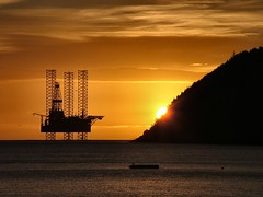 The moment of sunrise - closeup (ccgd) Tags: cromarty sutor sunrise oilrig scotland highlands