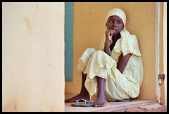 Fatima (janchan) Tags: africa portrait people woman girl yellow women retrato documentary nigeria donne mujeres ritratto fatima kano reportage fulani hausa carrymehome newphotographer whitetaraproductions dambatta obstetricfistula whitetarapoductions