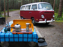raincoast (snapawayoungman) Tags: blue camping trees windows red orange canada bus coffee vw breakfast rust bc columbia pots bumper stove toothpaste british condensation steamed moisture propane skillet coffeemaker toothbrushes mrspotatohead