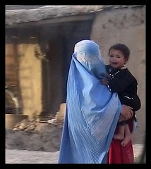 mother (janchan) Tags: poverty street portrait people woman afghanistan children women retrato hijab modesty donne mujeres ritratto kabul burqa povert pobreza thetaleofaurezu whitetaraproductions