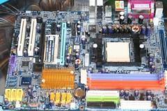 mod pcmod computer neon lights blue motherboard cpu amd nvidia nvidia7800gt 7800gt fancontrol geek nerd