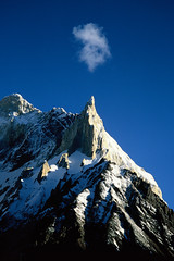 Velvia50-16 (Kelly Cheng) Tags: pakistan mountain beautiful wow landscape cafe awesome best velvia concordia getty pakistani marbalpeak trekday8concordia elevation60006500m mountainshimalaya summitmarbalpeak altitude6256m pickbykc
