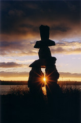 Inukshuk - Vancouver (CAZASCO / Benot Ferradini) Tags: light sunset sun canada silhouette backlight vancouver sunrise fantastic bestof bc lumire britishcolumbia albaluminis 100v10f zen fengshui inukshuk contrejour innukshuk 50v5f
