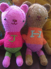 jolene and henry (Jess Hutch) Tags: jolene henry bear knitted knit toy jesshutch