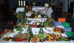 Erntedankfest (happycat) Tags: church fruit germany bayern kirche vegetable tradition custom fest erntedank erntedankfest gemse obst oberfranken brauch sesslach seslach