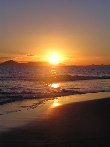 Sunset on Great Keppel Island by ogwen.