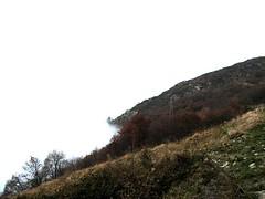 Landscape eraser (cimba) Tags: fog nebbia mountain montagna thefogiseatingthelandscape fadingintowhite piemonte artesina italia mc05negativespace