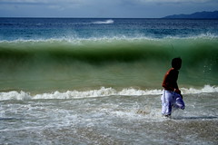 +IMG_1449+ (Raul Wong Roa) Tags: travel beach puerto waves philippines galera galera200511 raulwongroa