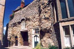 Bury /Cathedral Close - Rubble House (Lanterna) Tags: england suffolk odd oldhouse picturesque lanterna rubble burystedmunds