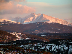 Longs Peak Alpenglow (Jesse Varner) Tags: 2003 mountain sunrise colorado longspeak fourteener february alpenglow mountainsrockymountains elevation40004500m summitlongspeak altitude4346m