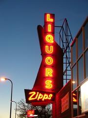 Zipps Liquors (Olivander) Tags: storefront sign minneapolis minnesota franklinave zippsliquors neon dusk