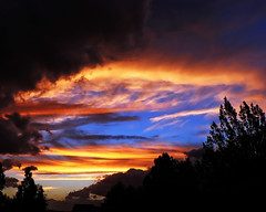 sunset break (Brenda Anderson) Tags: sunset newzealand sky clouds wow catchycolors top20sunrisesunset top20hallfame curiouskiwicom oneyear masterton wairarapa curiouskiwi brendaanderson inagroup aotearoasunsetscalendar notgetty curiouskiwi:posted=2005