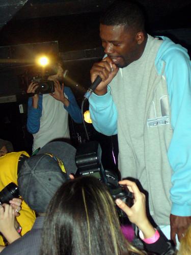 11-22-05 The Genius - GZA @ Crash Mansion (34)