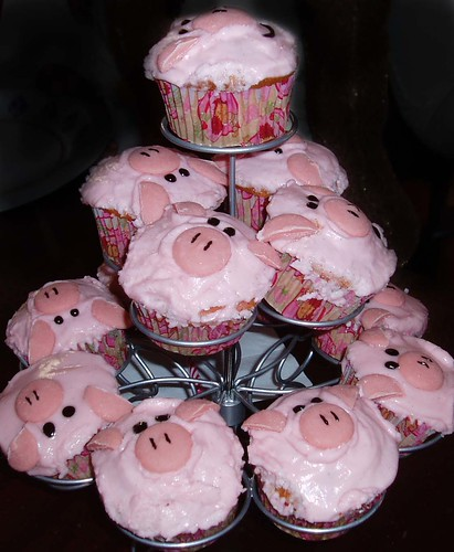 Piggy Cupcakes Tower