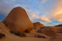 Rocks (wmchu) Tags: california sunset topf25 clouds ilovenature nationalpark topv333 rocks desert dusk joshuatree 100v10f 2550fav joshuatreenationalpark