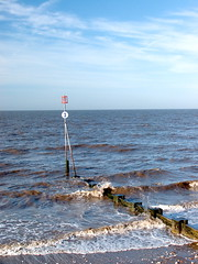 "Sea defence Marker • <a style=""font-size:0.8em;"" href=""https://www.flickr.com/photos/87605699@N00/89387644/"" target=""_blank"">View on Flickr</a>"