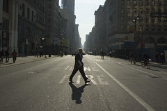 Jaywalker (S.D.) Tags: nyc nycpb nikon walk d70s 2006 nikond70s walkabout 1870mm february2006 seeninnyc
