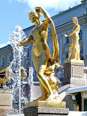 Schloss Peterhof - St. Petersburg - P6160017 (Andreas Helke) Tags: sculpture 2004 water fountain topv111 statue stpetersburg gold wasser europa europe russia topv1111 springbrunnen skulptur fav popular picnik 0206 peterhof russland candreashelke fav6 15groups v1500 worldsfavorite 20060820871 haslargesize 200609151082 200609151113 200610251683 200701072374 200701152625 donothide oldstileoriginalsecret lc15 200801167466 200801217526 200804248306 fav5andmore fav2andmore mymoreinterestingphotos