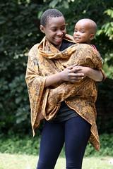 Grote zus Angel met Elisha