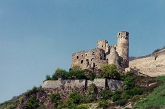 Castles on the Rhine - Ehrnefels Castle (Stabbur's Master) Tags: castles germany 1212 ruins rhine rhinecruise germancastles medievalcastle castlesontherhine ehrnefelscastle