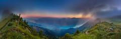 Schinige Platte Thuner-Brienzersee (Bugtris) Tags: berg nebel thunersee sunrise landschaft alp see water interlaken brienzersee fog canon 5dmkiii alpen schinigeplatte