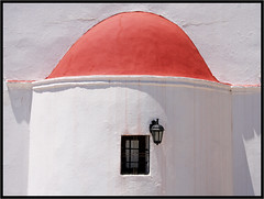 Le chapeau rouge -  The red hat (diaph76) Tags: grèce greece crète extérieur graphisme graphic église church construction murs walls rouge red lanterne lantern fenêtre windows religion