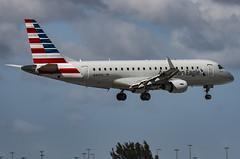 N401YX / Embraer ERJ-170-200LR / 17000363 / Republic Airlines (A.J. Carroll) Tags: n401yx embraer erj175lr erj170200lr erj175 e170 e175 17000363 cf348e republicairlines oneworld americaneagle bndes a4b294 miami kmia mia
