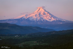 Mountain Majesty ([Chris Tennant]) Tags: pnw mthood volcano mountain pacificnorthwest sunrise hood washington oregon spring christennantphotography landscape