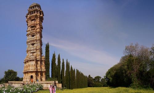 "Torres legendarias / Faros, minaretes, campanarios, rascacielos • <a style=""font-size:0.8em;"" href=""http://www.flickr.com/photos/30735181@N00/32493409116/"" target=""_blank"">View on Flickr</a>"