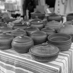 potteries (Guy Fawkes Jr.) Tags: blackandwhite bw 6x6 tlr analog vintage mediumformat square outdoor grain naturallight 120film depthoffield negative scanned pottery mf rodinal sell rollfilm classiccamera clayware yashica635 selfdevelop classicblackwhite epsonv700 oldschoolphotography yashinon80mmf35 film:iso=100 manualfocuslenses shanghaigp3100 фотопленка developer:brand=agfa developer:name=agfarodinal film:brand=shanghai film:name=shanghaigp3100 sgpff