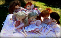 My sweet girls (TutuBella) Tags: pink sisters wagon picnic quilt sweet barefoot cottoncandy pigtails melacaciadresses jerryberrydolls tutubelladresses
