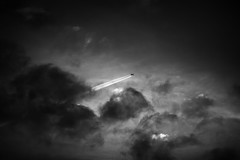 Into the darkness (Hkan Dahlstrm) Tags: travel sunset sky bw london photography se skne sweden aircraft jet hong kong airbus a380 british sverige airways chemtrail uncropped malm f28 2015 skneln ba25 ef200mmf28lusm canoneos5dmarkii sek malmfosieborg 224072015212453redigera