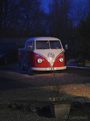 Splitty crew-cab (Dave S Campbell) Tags: volkswagen vw splitty crewcab t2 split pickup red white front red9 night