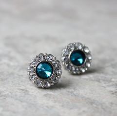 Getting married? Earrings for bridesmaids! http://buff.ly/2jgzYaN #etsy #weddings #bridesmaids #gifts #jewelry (petalperceptions.etsy.com) Tags: etsy smallbiz flowers jewelry