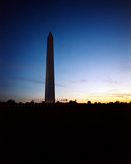 Washington Monument - Porta 400NC exp (magnus.joensson) Tags: usa american washington dc monument handheld large format 4x5 wanderlust travelwide schneider angulon 90mm kodak porta 400nc exp epson v800 scan visitusa