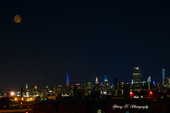 Manhattan (Houry Photography -on/off) Tags: moon nightlights manhattan empirestate chrysler bldgs citycorp canon7d
