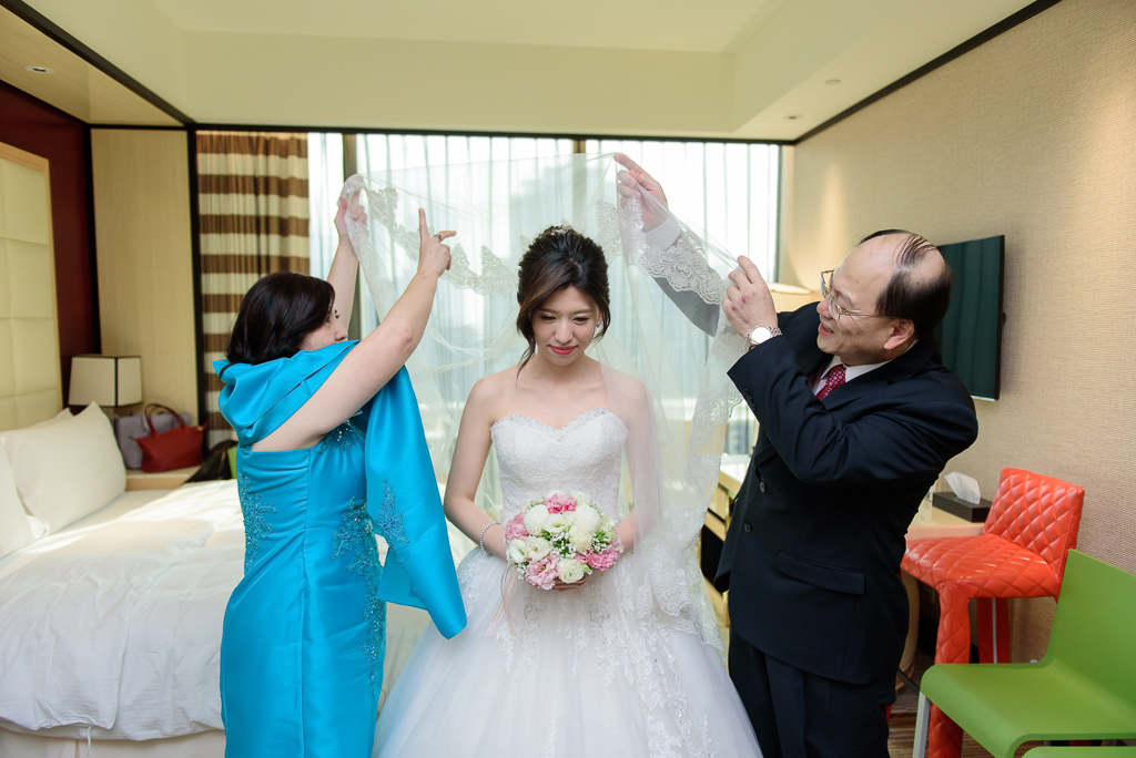 Wedding day-0049 ,僑園婚攝,台中僑園,僑園婚宴,新秘Alice ,婚攝小勇,台北婚攝, 小淑造型團隊