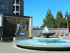 Pigeon Bath (knightbefore_99) Tags: city blue canada west bird art water fountain island coast bath bc pacific pigeon capital victoria